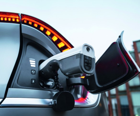 Act now to grab EV incentives, fleets urged