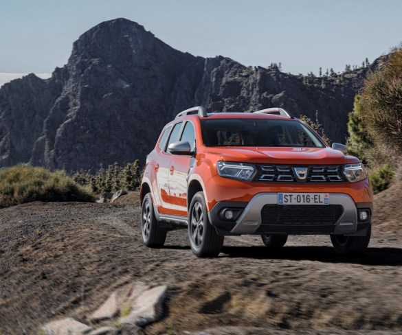 Dacia Duster facelifted with extra tech and new design