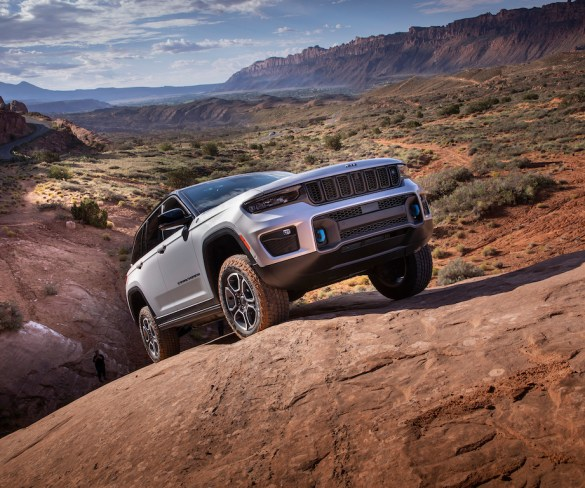 New Jeep Grand Cherokee to bring first-ever plug-in hybrid