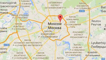 Sadovaya-Chernogryazskaya Ulitza (Garden -Chernogryazskaya Street) road indicated by the marker.