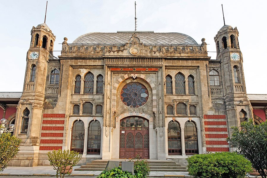 The Sirkeci railway station opened in 1890.