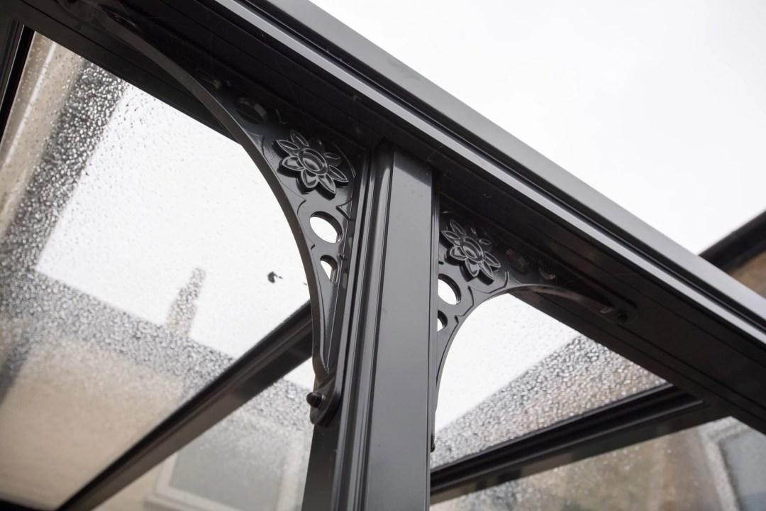 The beauty of a contemporary veranda2