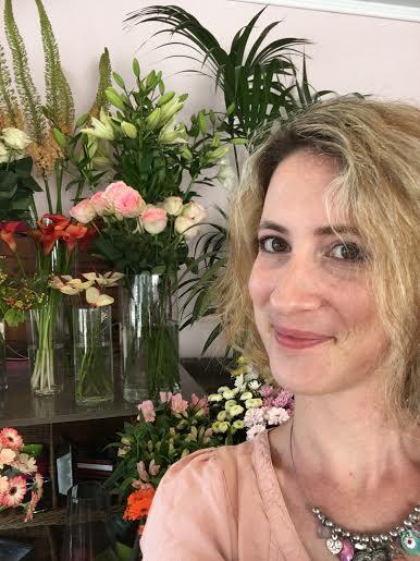 """Céline fleuriste aux """"Fleurs de la Passion"""" 13500 Martigues"""