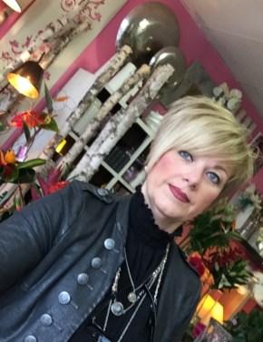 """Sylvie pour """"La Vie en Rose"""", artisan fleuriste à Saint Alban - 31140"""