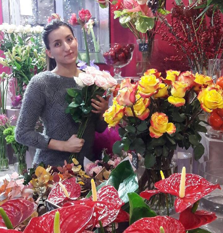 """Votre artisan fleuriste à Grigny (69520), Chloé pour """"Les Sens des Fleurs"""""""