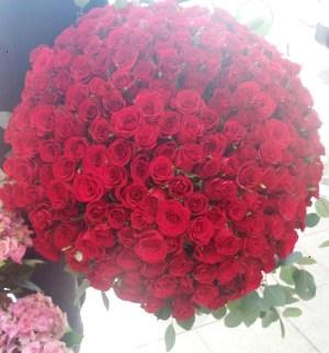 Bouquet de 201 roses rouge, réalisé par Amélia, artisan fleuriste à Nice