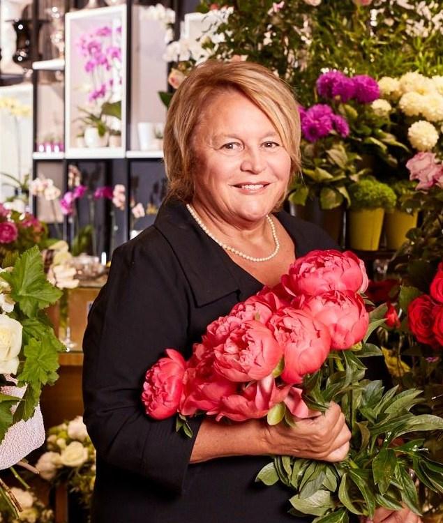 """Votre artisan fleuriste au Chesnay (78150), Nicole pour """"Jacques Blanchon Fleuriste"""""""