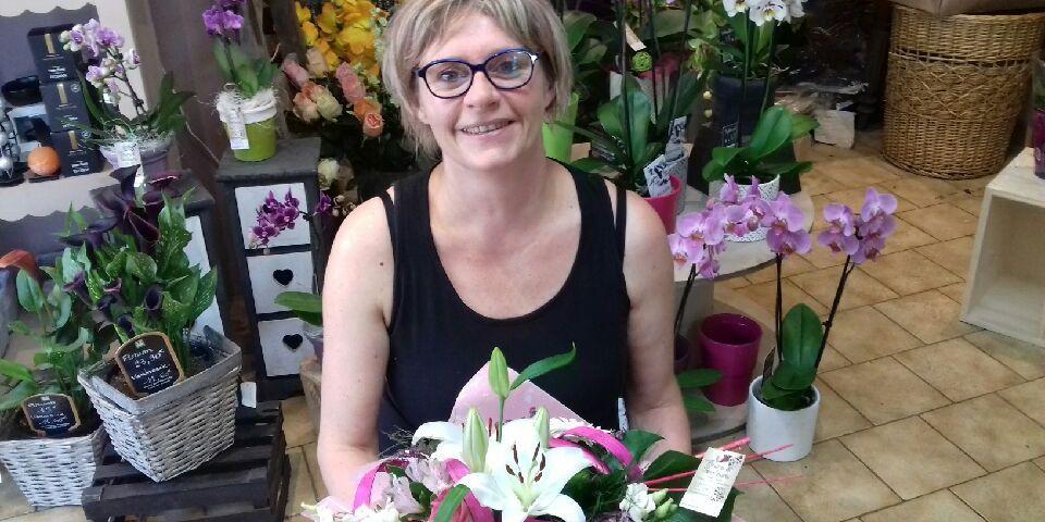 """Votre artisan fleuriste à Prahecq (79230), Yasmine pour """"Fleurs et Senteurs"""""""
