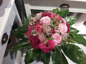 Envoyer des fleurs à Saint Etienne du Gres avec votre fleuriste Au Gres Des Fleurs