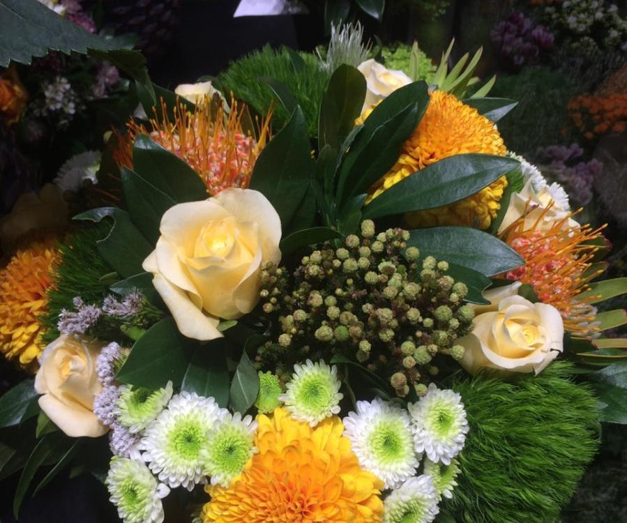 Envoyer des fleurs au Chesnay avec votre fleuriste Jacques Blanchon