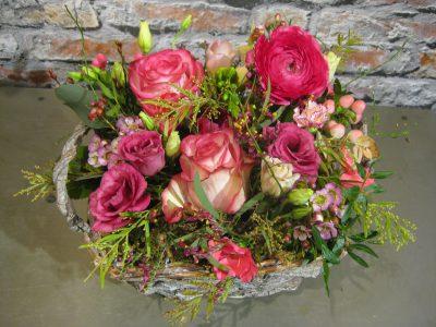 b.cornut roses pink