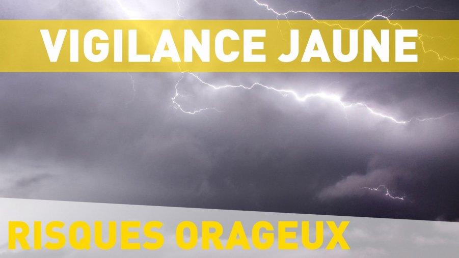 Avant le retour du SOLEIL pour le week-end, météo France a placé le Calvados en vigilance jaune orages