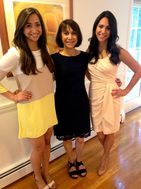 MOH, Mommy of the bride and Rach!