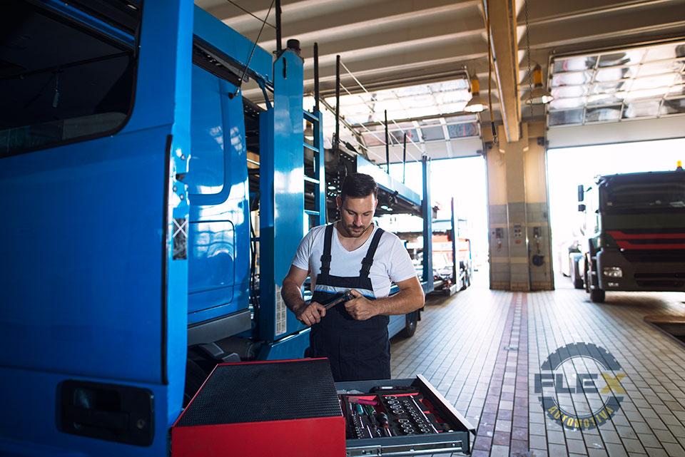 Manutenção preventiva de caminhões e ônibus: entenda por que é indispensável fazer