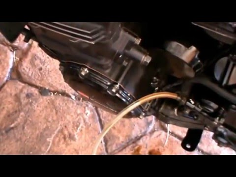 Kawasaki GPZ 900 R TOP GUN. 15 de ??. Sustitución líquido hidráulico embrague.