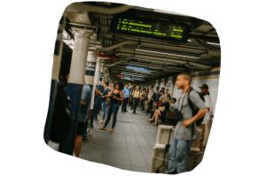 Sans planification de repas, le retour du travail mélange métro bondé et quesions énervantes qui tournent dans la tête