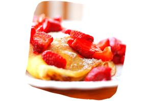 Les crêpes de froment et les fraises de Plougastel :deux incontournables en Bretagne !