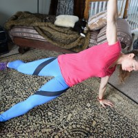 The saw and a side plank with a swing