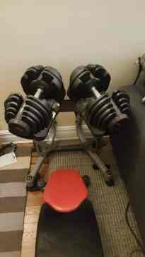 With the dumbbell stand, the SelectTechs easily tuck into the corner of any room.