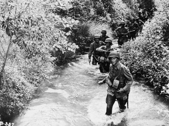 Errol Flynn in Army Film