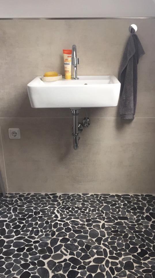 Gäste WC gefliest durch Fliesenleger Wilke