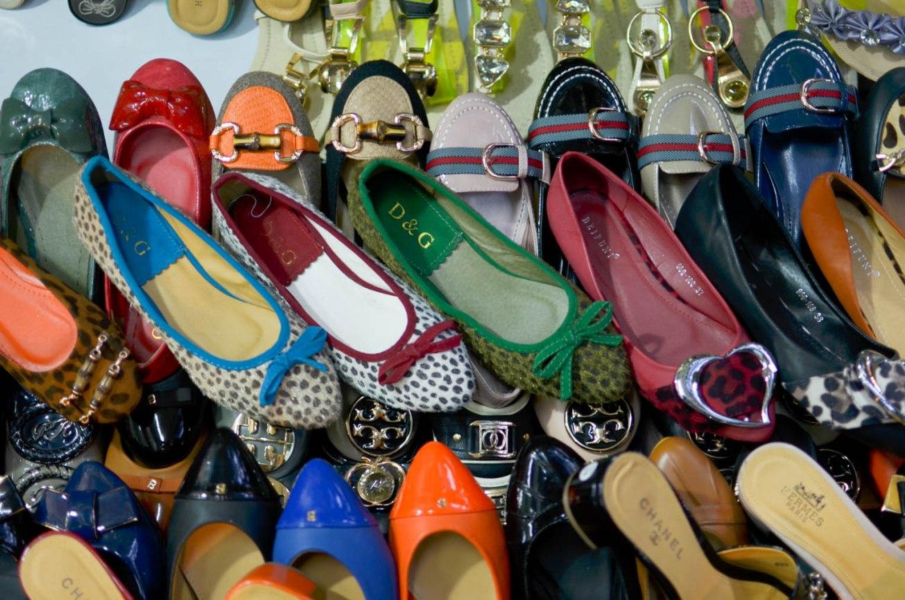 Vietnam Brand Knockoffs Fake Shoes