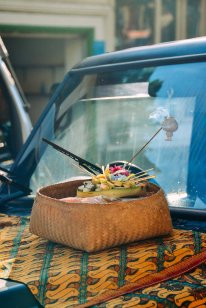 Balinese offerings on top of a car on Galungan day