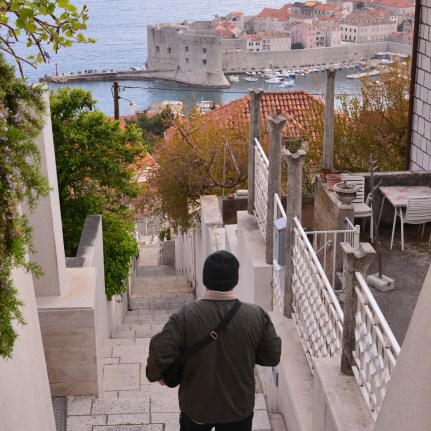 Climbing down into the Old Town