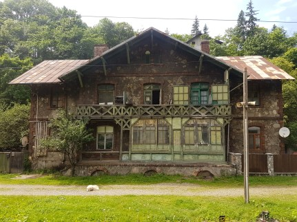 Old house spotted along the way