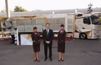 Peter Baumgartner outside the Etihad Airways mobile exhibition vehicle/Etihad Airways