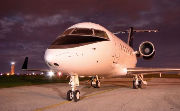 Dumont Aircraft Charter Challenger 601 exterior
