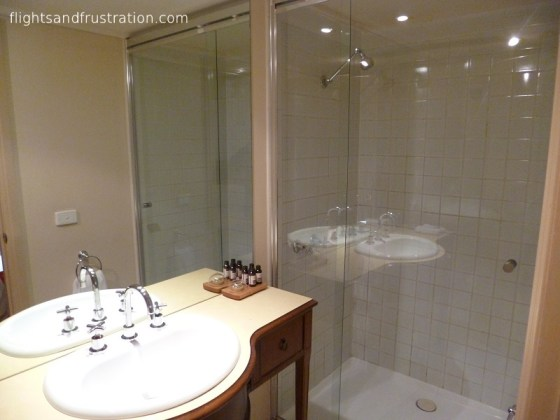 Shower and bathroom - rental properties Melbourne
