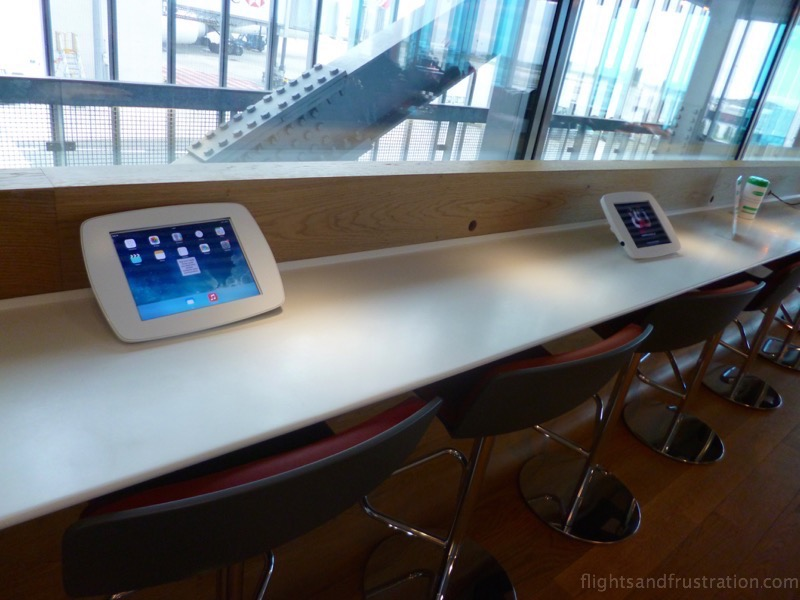 iPads are free to use in the Air France Lounge at CDG Terminal 2 E Gates M