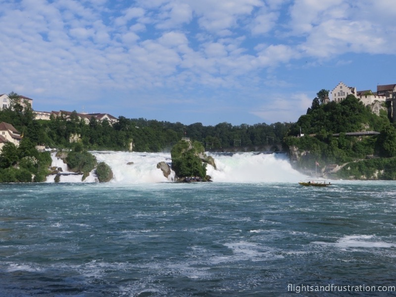 The tourist boat approaches the centre of the Rheinfall