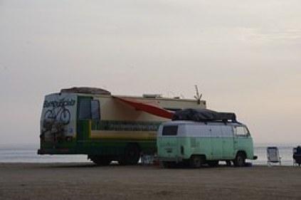 caravan-on-a-beach-687571__180