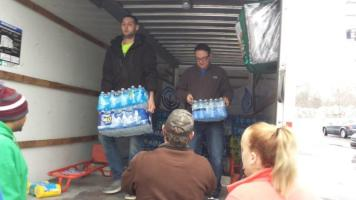 Flint Jewish Federation water donations (3)