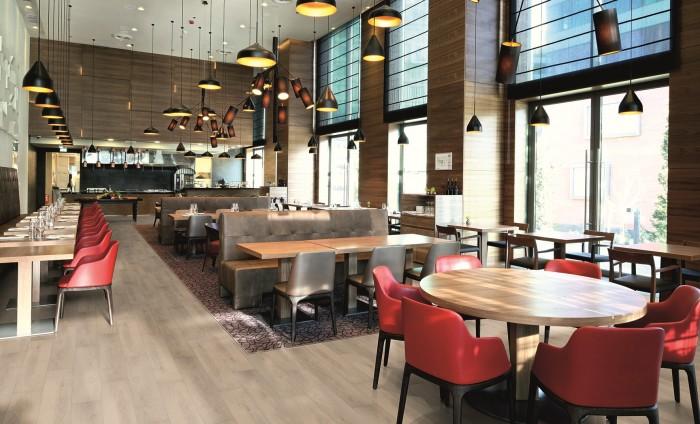flint_floor_hospitality_restaurant_1_FLINT_GLIMMER_OAK_212 ok