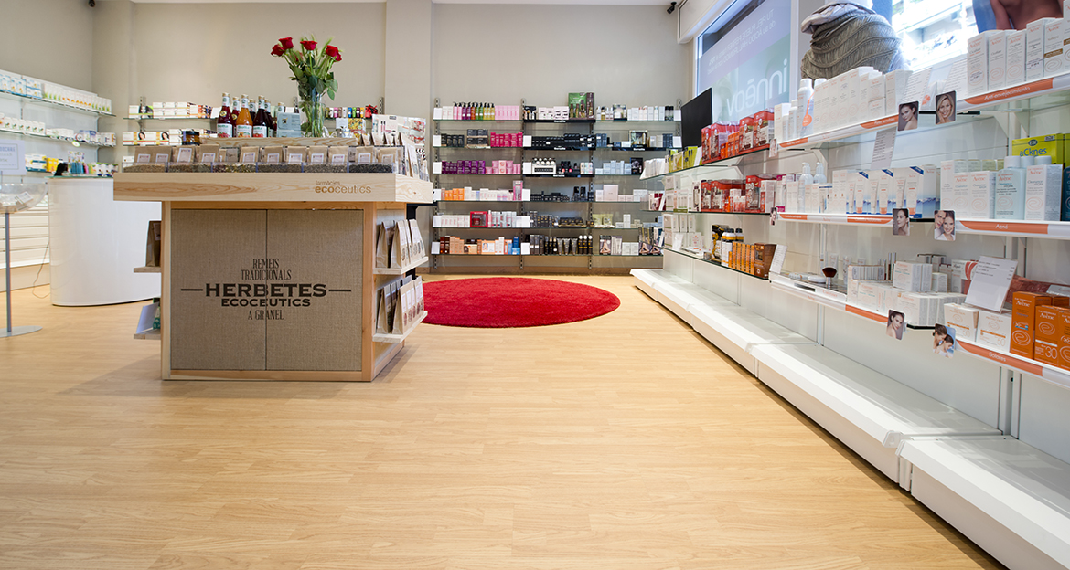 Retail_Flint_Farmacia-Pareja-2_Classic-Oak