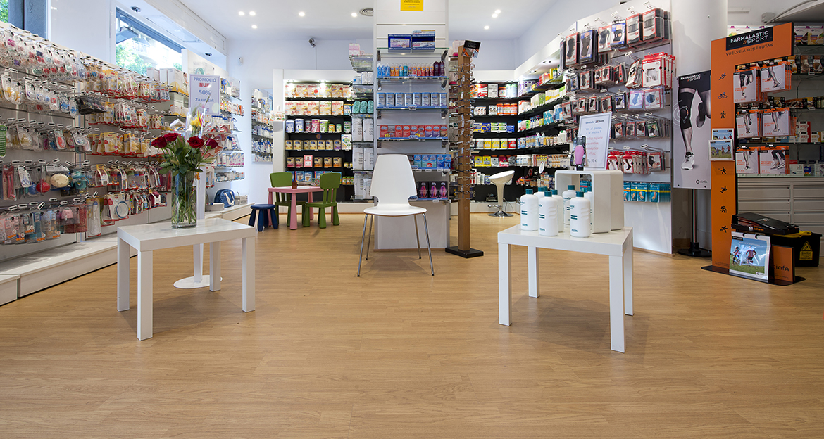 Retail_Flint_Farmacia-Pareja_Classic-Oak