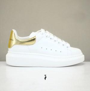 Alexander McQueen blancas doradas