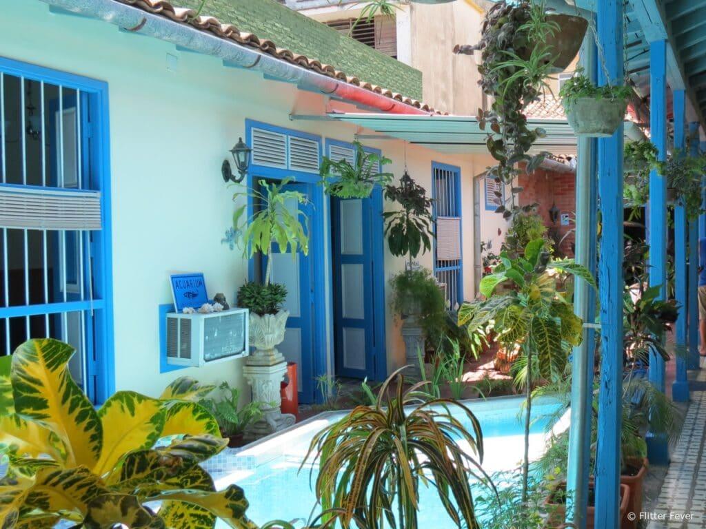 Hostal La Casona Jover pool Cuba Santa Clara