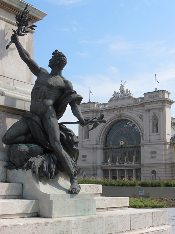 Statue in front of Budapest East Railway Station