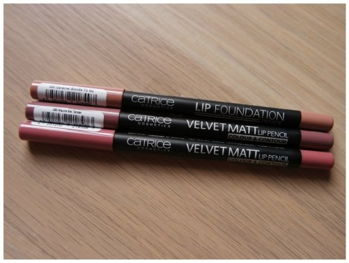 catrice lip liner lipstick lip foundation velvet matt lip pencil review swatch caramel blonde to go mauve me tender from rags to roses