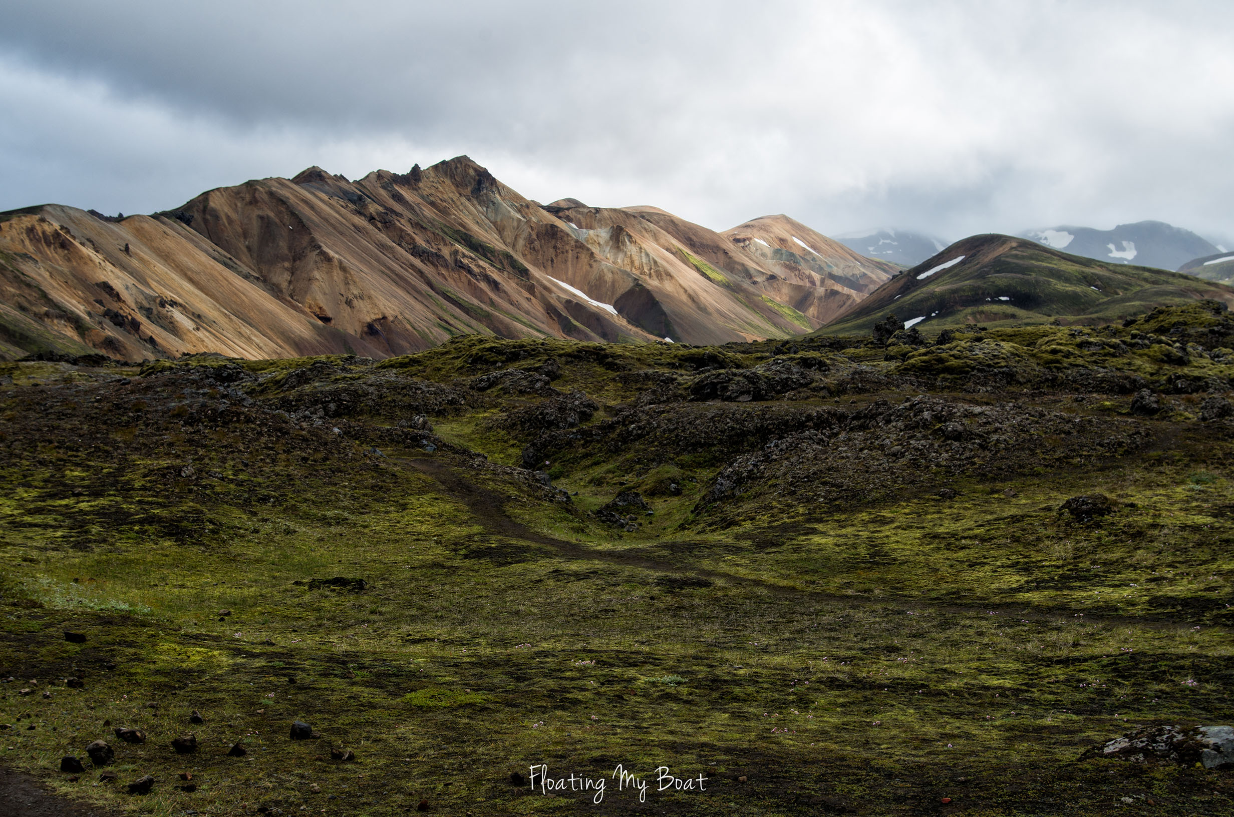 hiking-around-landmannalaugar-iceland