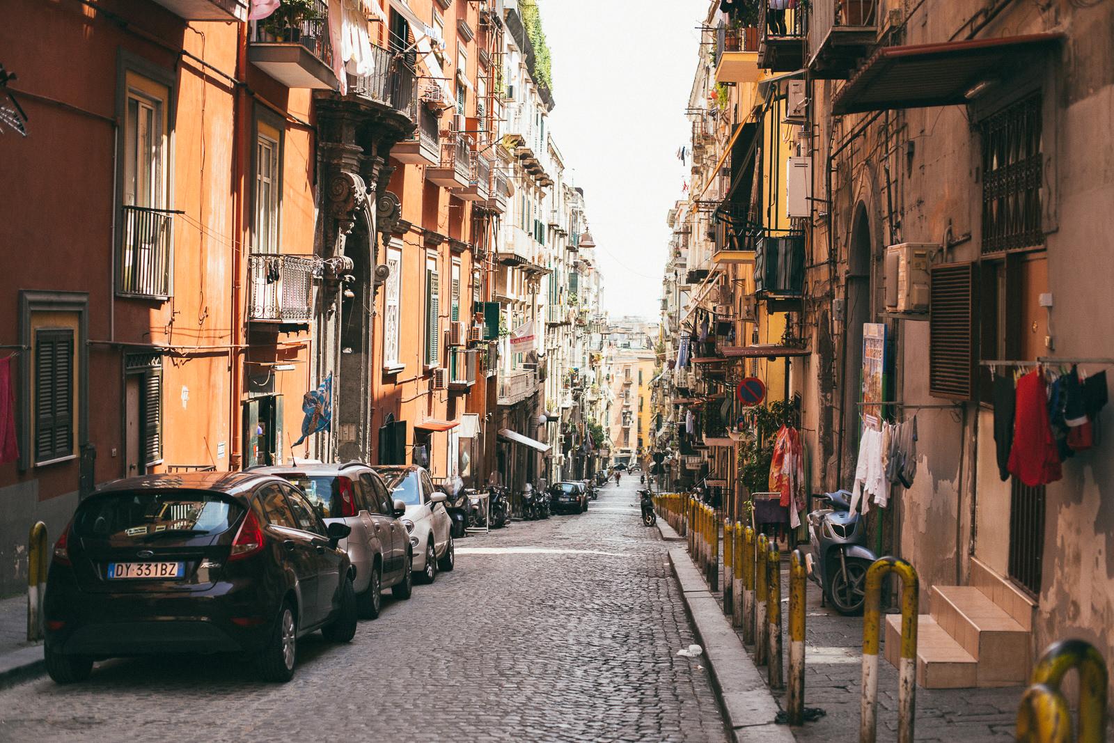 co-zobaczyć-w-neapolu-Quartieri-Spagnoli