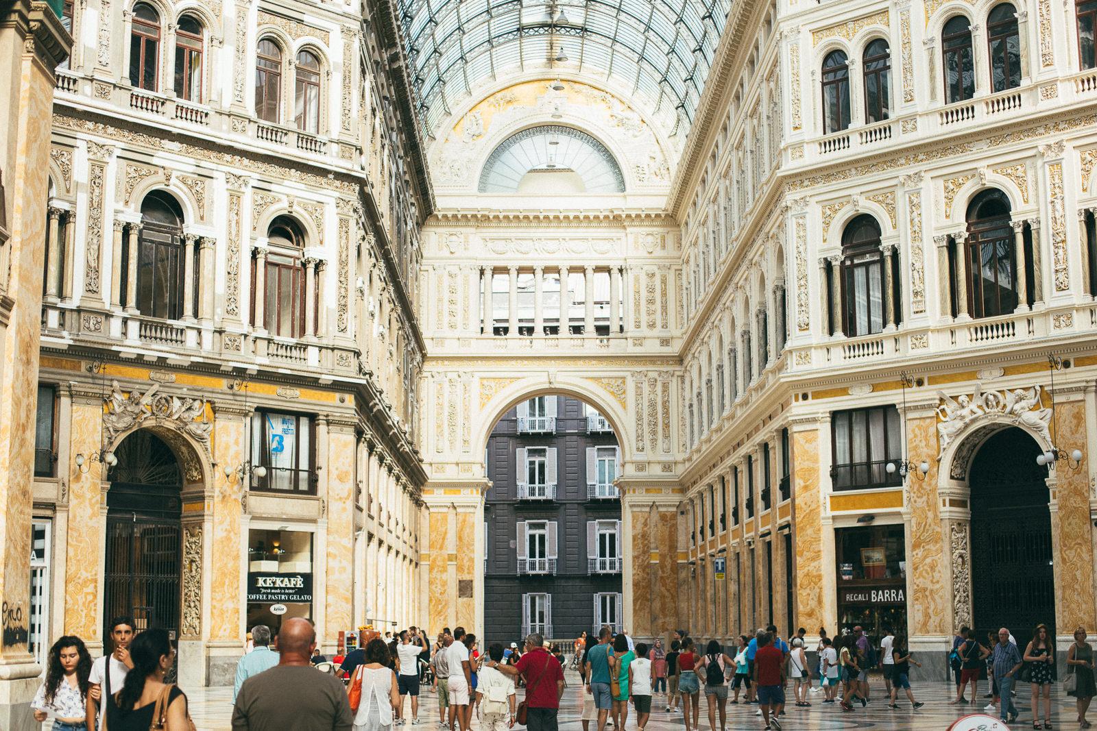 neapol-co-zobaczyć-Galeria-Umberto-I