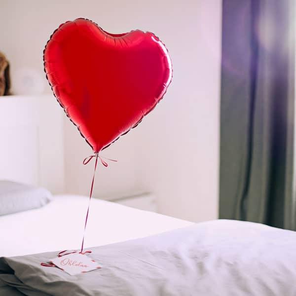 Ballon im Bett