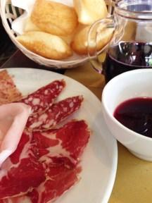 Salumi piacentini e coppa di vino
