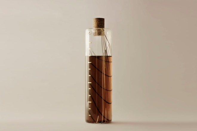 gold_ratio_bottle_agustina_bottoni_03