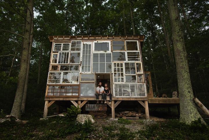只要台幣一萬五 廢棄窗戶打造森林湖邊小屋
